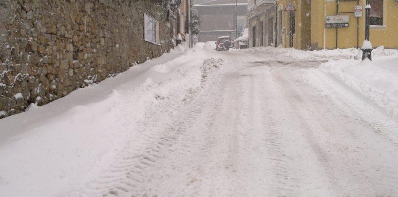Campania: allerta meteo per venti forti, nevicate e gelate