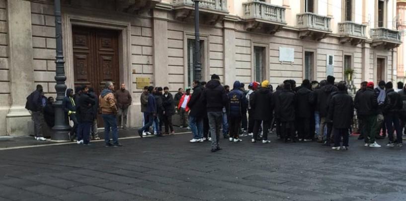 "Profughi in protesta ad Avellino: ""Senza pocket money da due mesi"""