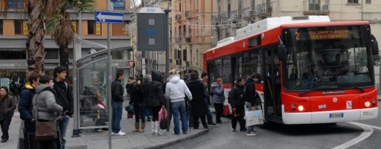 Università: trasporti pubblici gratis in Campania, la gioia degli studenti sul web
