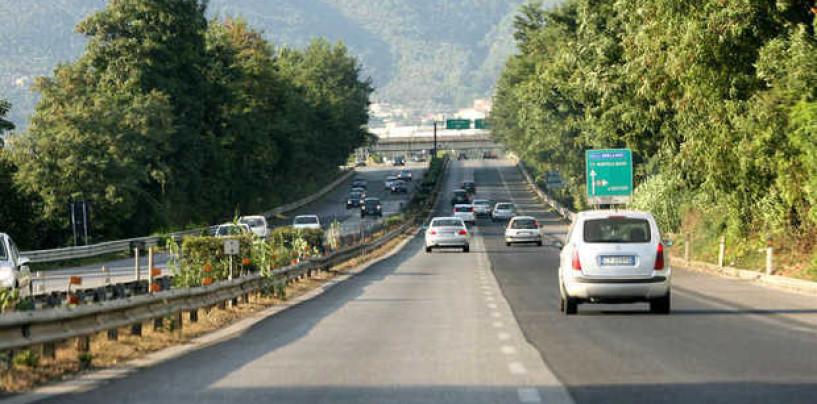 Maxi tamponamento sul raccordo Av-Sa, traffico in tilt a Montoro Nord