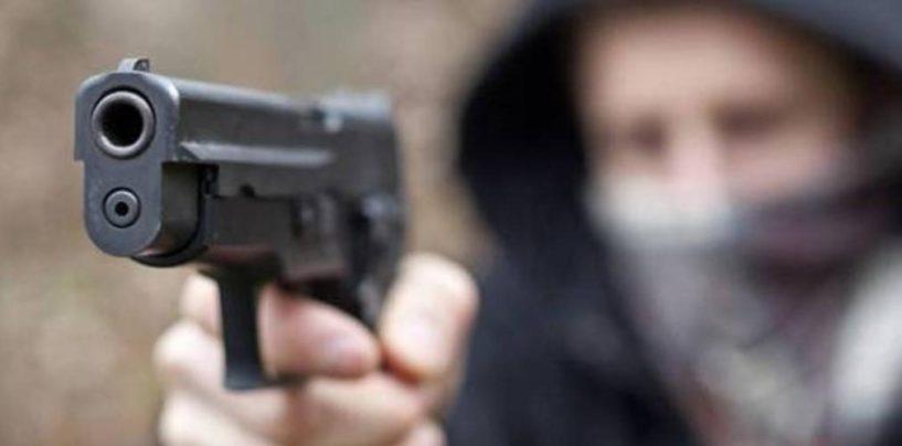 Rapina nel traffico tra Chiaiano e Marano, puntata pistola a un bambino