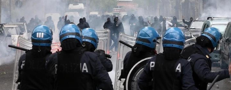 Calcio – Rissa e violenza: giro di vite della Digos contro gli ultrà del Cesena