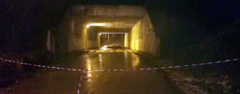 FOTO/ Frana costone, chiusa la variante tra Pratola Serra e Montemiletto