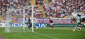 La traversa di Castaldo a Bologna nega la finale all'Avellino