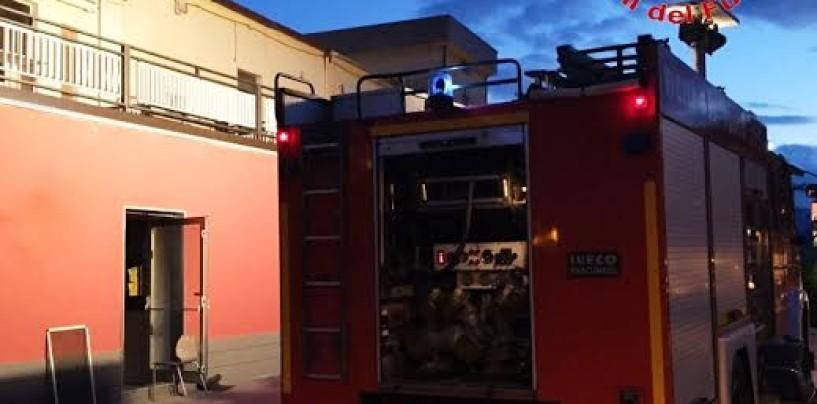 Incendio a Calabritto, intervengono i Vigili del Fuoco