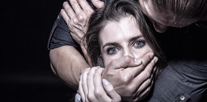 Perseguita la ex e aggredisce la figlia minorenne, arrestato 50enne a Montoro