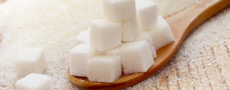 Troppo zucchero negli alimenti dei bambini, arriva lo stop